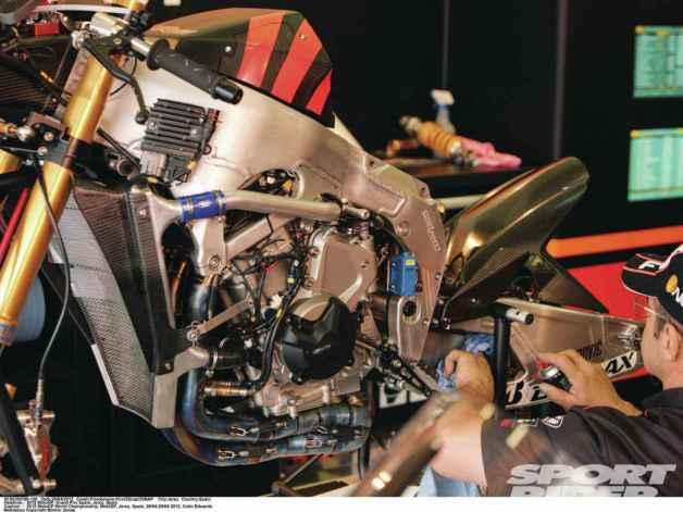 forward-racing+suter-racing-chassis