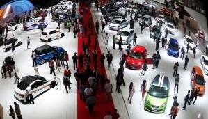 Perang Mobil-Mobil Mewah Nan Aduhai Di Indonesia International Motor Show 2014....