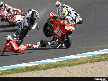 Moto_GP_crash