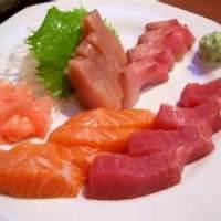 Tubuh penuh cacing Pita gara-gara sering makan masakan khas Jepang Sashimi..Sushi...?