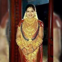 Pengantin Berbaju Serba Emas dari India Senilai Rp 6,13 Miliar...wih gile bener...