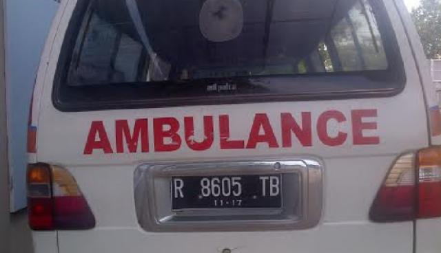 ambulans pembawa jenasah denis