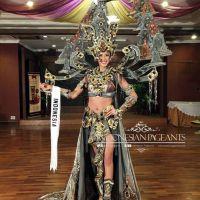 The Chronicle of Borobudur Yang Dikenakan Elvira Diajang Miss Universe 2014 Membuat Juri Berdecak Kagum...
