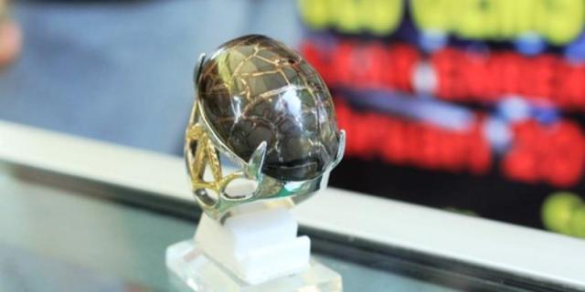 batu sisik naga emas enrekang