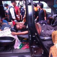 Akibat Tidur Di Mobil Dan Menyalakan Obat Nyamuk...Penjual Batu Akik Tewas Sekeluarga...Keracunan...