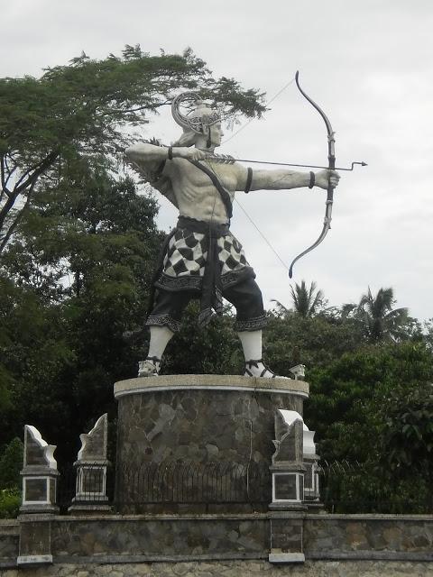 patung arjuna purwakarta