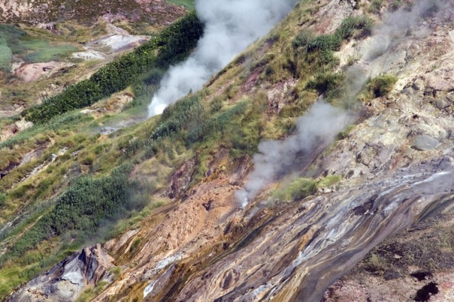 valley-of-geysers-52