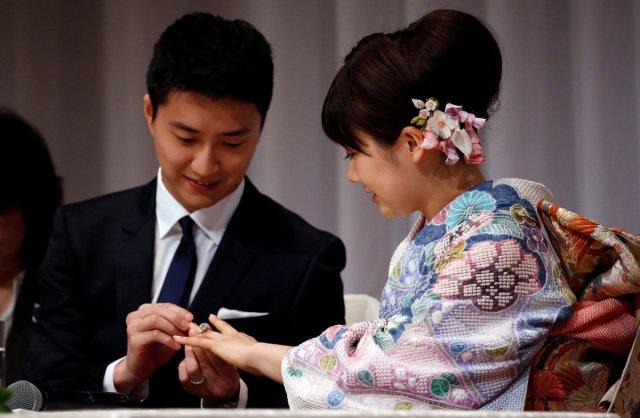 ai-fukuhara-jiang-hongjie-married2