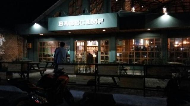 kafe-basecamp-tanjung-pinang