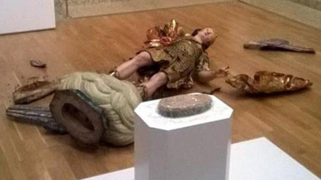 patung-kuno-hancur_20161110_145223