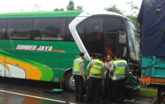 bus-sumber-jaya-dicuri