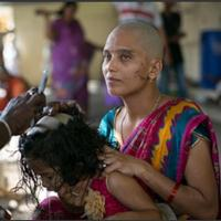 Wanita Di India Rela Digunduli Demi Persembahan Untuk Dewa
