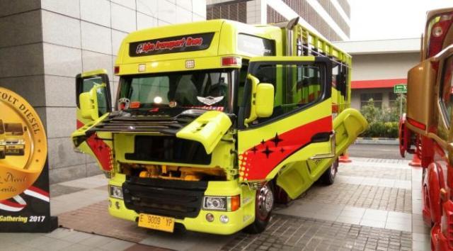 truk-optimus-prime-nuryatna
